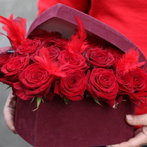 Цветы в коробке купить в Бресте