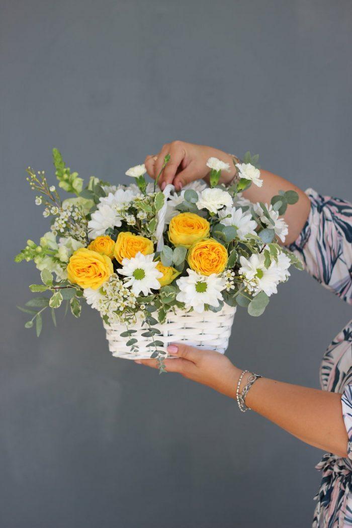 Корзина цветов купить в Бресте