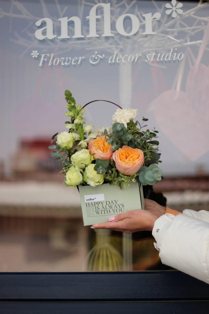 коробка с цветами купить в Бресте